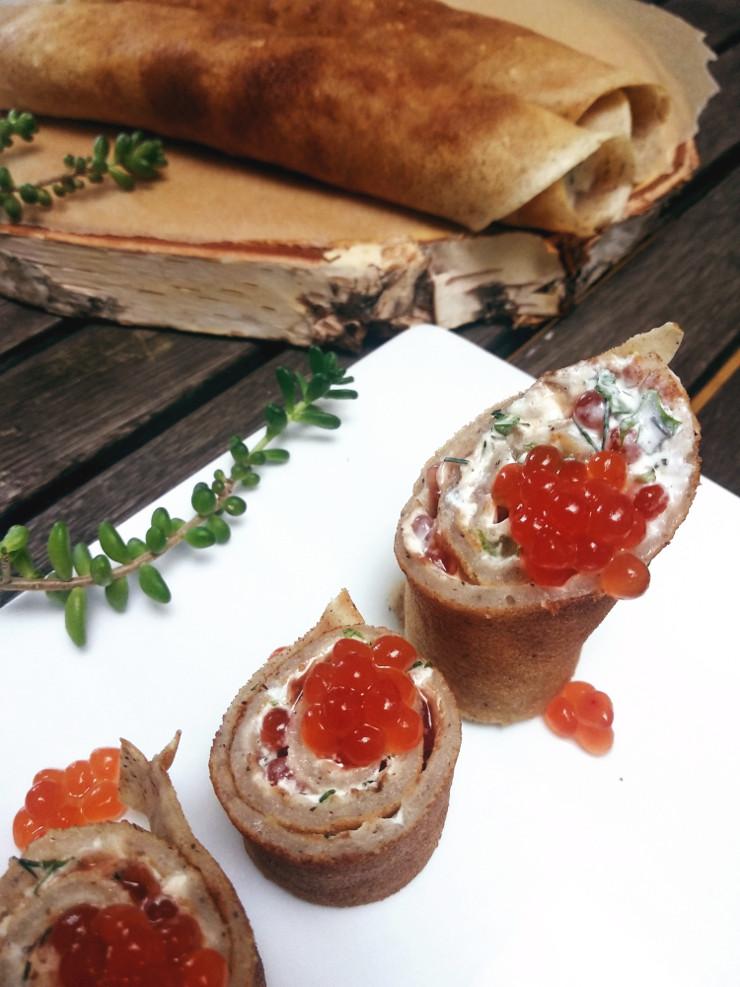 Pfannkuchen-Röllchen mit Kaviar vegan